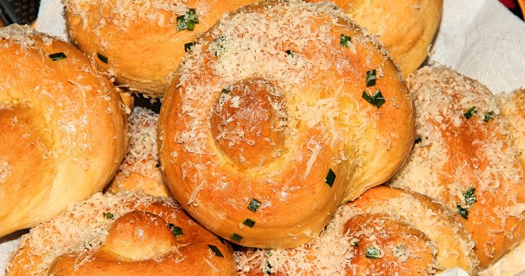Extra Large Garlic Parmesan Knots (Pictures and Video)