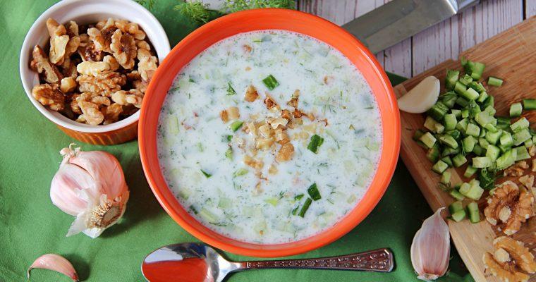 Bulgarian Cold Soup with Cucumber and Yogurt (Tarator)